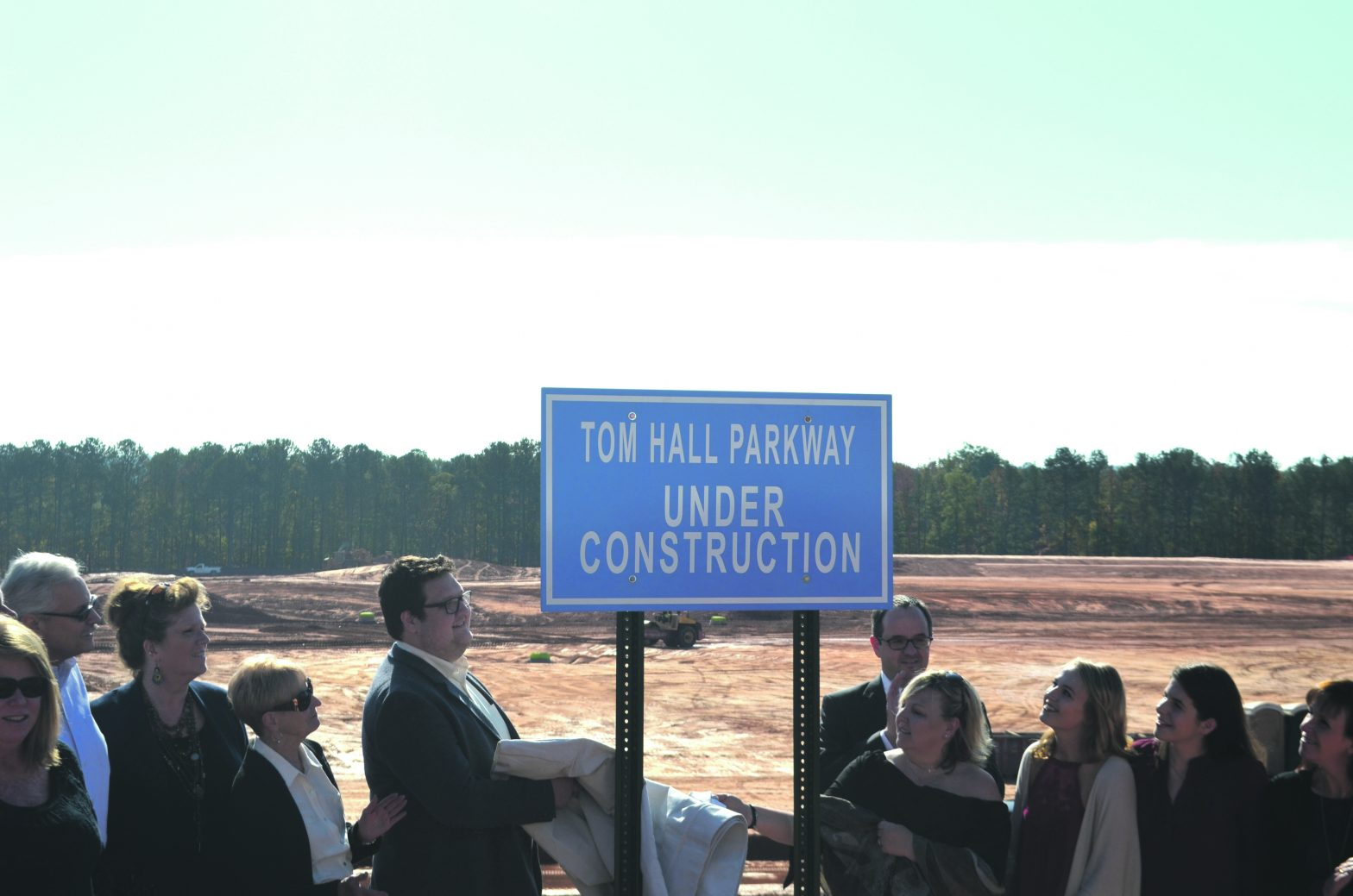 Tom Hall Parkway  Dedicated to Honor  Late City Manager