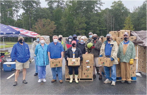 LaGrange Lions Club Donates 2,000 Boxes of Produce in Truck to Trunk Event
