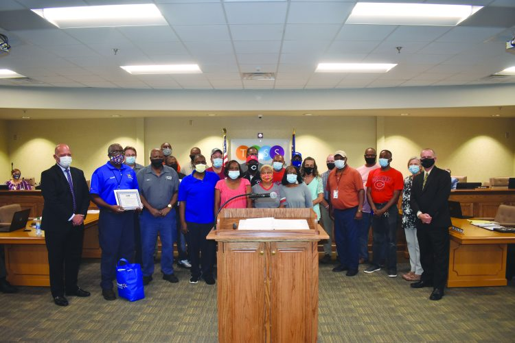 School Board Recognizes Employees for Pandemic Work