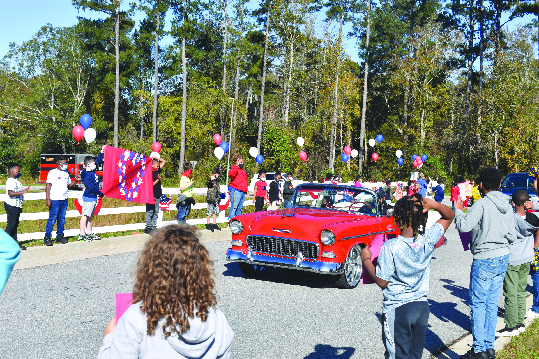 Ethel W. Kight Hosts Drive-Thru Veterans Parade