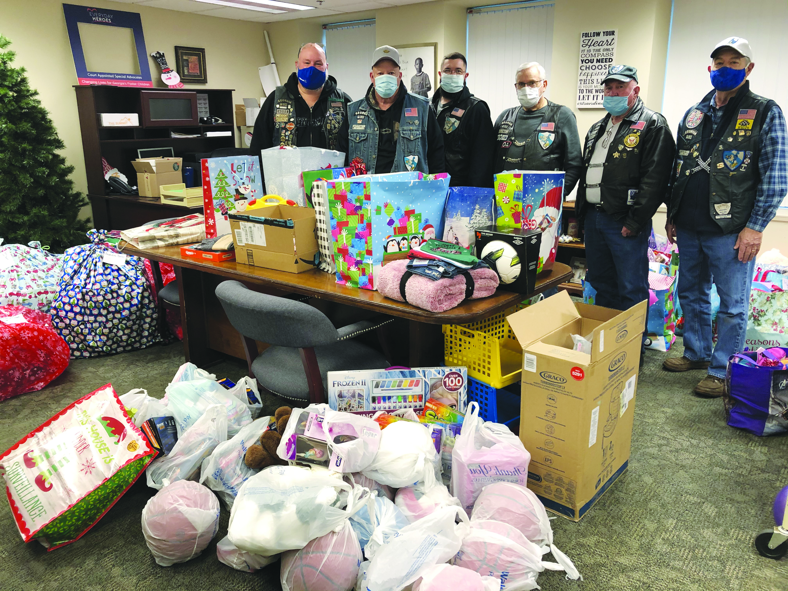 Blue Knights Donate Toys to Foster Kids